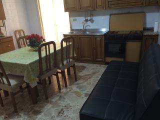 4 bedroom Condo with Hot Tub in Floridia - Floridia vacation rentals