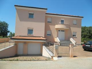 1 bedroom Apartment with A/C in Umag - Umag vacation rentals