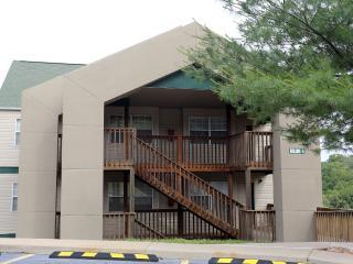 Branson Condo Rental | Eagles Nest | Indian Point | Silver Dollar City | Pool | Hot Tub (0410602) - Branson vacation rentals