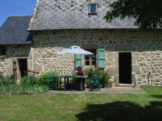 Beautiful 2 bedroom Argentat sur Dordogne Cottage with Washing Machine - Argentat sur Dordogne vacation rentals
