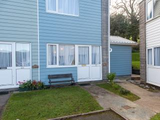 'Barnacle' 21 Freshwater Bay Holiday Vil - Freshwater East vacation rentals
