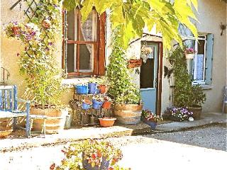 *La maison de chèvrefeuille* taking bookings  2016 - Carcassonne vacation rentals