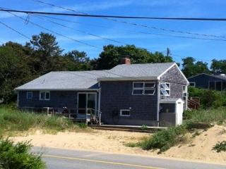 Cozy 3 bedroom Cottage in North Eastham with A/C - North Eastham vacation rentals