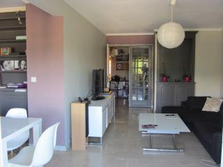 Cozy 2 bedroom Le Cannet Condo with Internet Access - Le Cannet vacation rentals