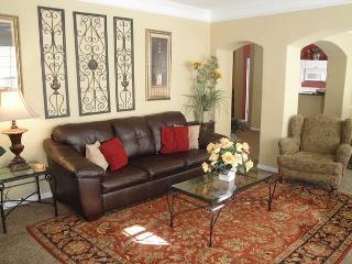 Beautiful 3 Bedroom / 2 Bath 2nd Floor Condo - Gulfport vacation rentals