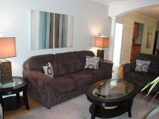 Beautiful 2 bedroom / 2 bath condo with Gulf view! - Gulfport vacation rentals