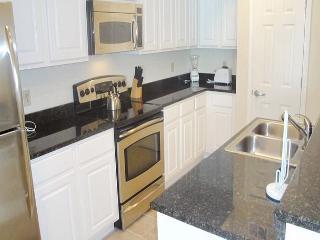 Beautiful 2 bedroom / 2 bath condo with Gulf view. - Gulfport vacation rentals