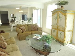 Gorgeous 3-Bedroom / 3-Bath condo in a prime corner location on the 11th floo - Gulfport vacation rentals