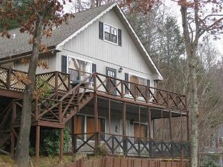 Maggie Valley Club Cabin Rental - 4/3 Sleeps 10 - Maggie Valley vacation rentals
