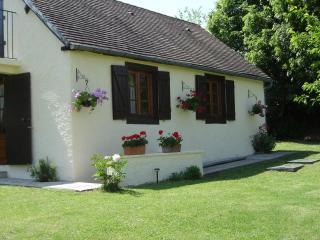 Charming Montignac Studio rental with Internet Access - Montignac vacation rentals