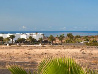 Lovely 3 bedroom Villa in Playa Blanca with Internet Access - Playa Blanca vacation rentals