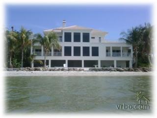LEA BY THE SEA. 5 Bedroom BEACH HOUSE - Sanibel Island vacation rentals