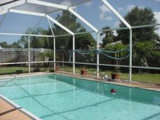 Beautiful Merrit Island pool home near Cocoa Beach - Titusville vacation rentals