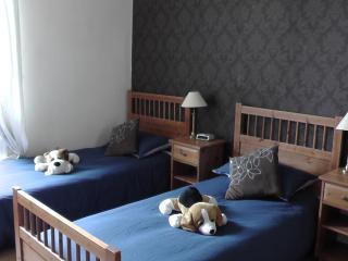 142 Easter Road Apartment 5 - Edinburgh vacation rentals