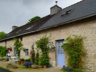 Romantic 1 bedroom Huelgoat Gite with Internet Access - Huelgoat vacation rentals