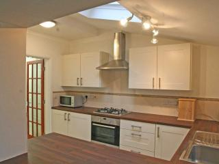 Excellent Spacious Cottage Hale South Manchester - Altrincham vacation rentals