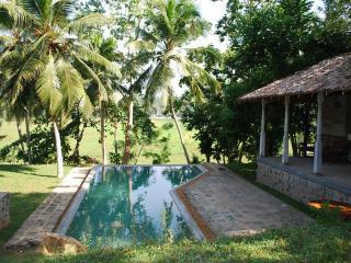 stone well garden villa - Hikkaduwa vacation rentals