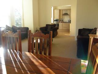 Convenient 2 bedroom Southport Condo with Internet Access - Southport vacation rentals
