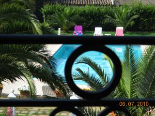 Gorgeous Saint Tropez holiday aprtment with shared pool, terrace and private garden - Saint-Tropez vacation rentals