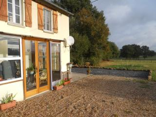 Beautiful Farmhouse Barn with Internet Access and Stereo - Saint-Sulpice-les-Feuilles vacation rentals