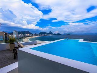 LUXURY PENTHOUSE OCEANFRONT COPACABANA - Rio de Janeiro vacation rentals