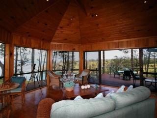 Perfect Cottage with Internet Access and Dishwasher - Norfolk Island vacation rentals