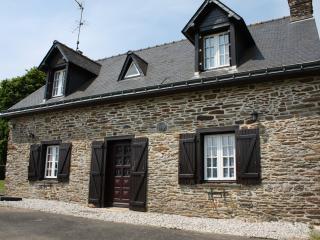 Saint Pabu Cottage - Mur-de-Bretagne vacation rentals