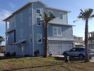 Luxurious Gulf Coast home! 6 bedrooms/ 6 baths adjacent to the pool! - Port Aransas vacation rentals