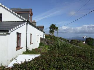 Comfortable 3 bedroom Valentia Island Cottage with Microwave - Valentia Island vacation rentals