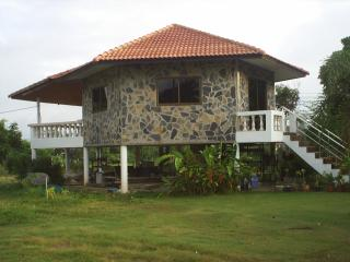Cozy Nan Studio rental with Internet Access - Nan vacation rentals