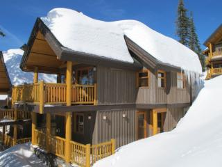 Cozy Chalet with Hot Tub and Fireplace - Kelowna vacation rentals