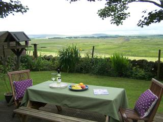 Lovely country cottage with loch and hill views - West Calder vacation rentals
