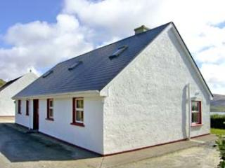 Bright 5 bedroom Cottage in Valentia Island with Microwave - Valentia Island vacation rentals