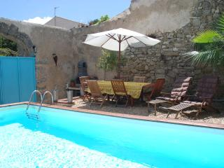 4 bedroom Villa with Internet Access in Lespignan - Lespignan vacation rentals