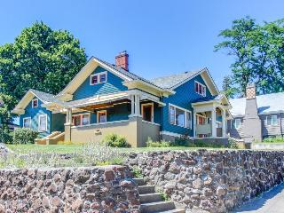 Dog-friendly 1920s craftsman-style home w/spacious deck & private sauna! - Pendleton vacation rentals