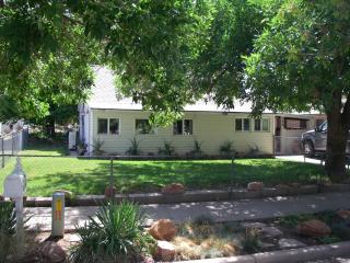 Cozy 2 bedroom Vacation Rental in Moab - Moab vacation rentals