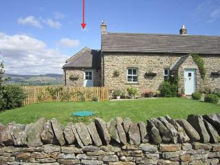 LUNEDALE COTTAGE, stone-built semi-detached cottage, off road parking, garden, in Mickleton, Ref 906275 - Mickleton vacation rentals