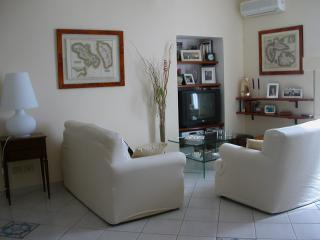Casa Mario WiFi 5 beds central 2 baths 700mt beach - Terracina vacation rentals