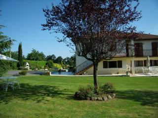 Lovely Villa with Internet Access and Dishwasher - Galan vacation rentals