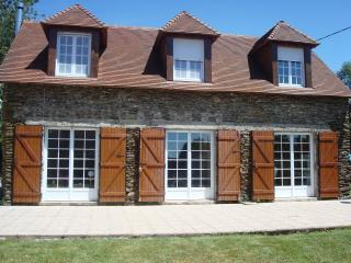 Perfect Gite with Television and Microwave - Saint-Plantaire vacation rentals