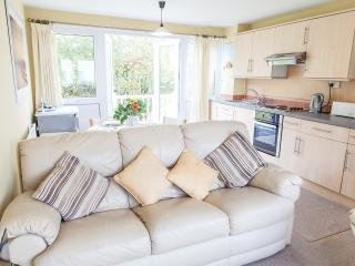 'Seagull' 131 Freshwater Bay Holiday Vil - Freshwater East vacation rentals