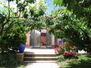 SPEI Home Rental Patio Dieulefit - Dieulefit vacation rentals