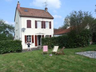 Wonderful Gite with Satellite Or Cable TV and Television - Ahun vacation rentals