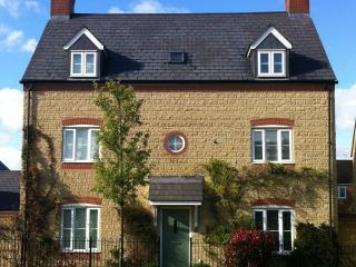 Nice 5 bedroom Witney House with Internet Access - Witney vacation rentals