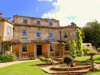 Perfect 7 bedroom Manor house in Dursley with Internet Access - Dursley vacation rentals