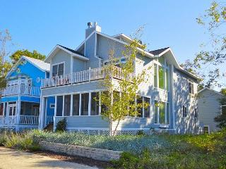 Stunning 5 bedroom W/ 4 Master Suits, Private Baths, Screened porch/fireplace - Michigan City vacation rentals