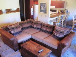1 Bedroom + Loft/2, Mammoth Condo Sleeps 6, Close to Eagle Lodge - Mammoth Lakes vacation rentals
