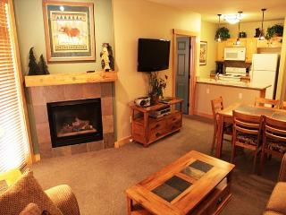 Newly Upgraded 2 Bed/2 Bath w/2 Kings, Ski-in, Ski-out at Sunstone Lodge. - Mammoth Lakes vacation rentals