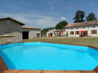 Ferme Bouton d' Or - Leoville vacation rentals