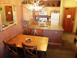 Ski-in/Ski-out, 1 bed, 1 bath at Sunstone Lodge - Mammoth Lakes vacation rentals